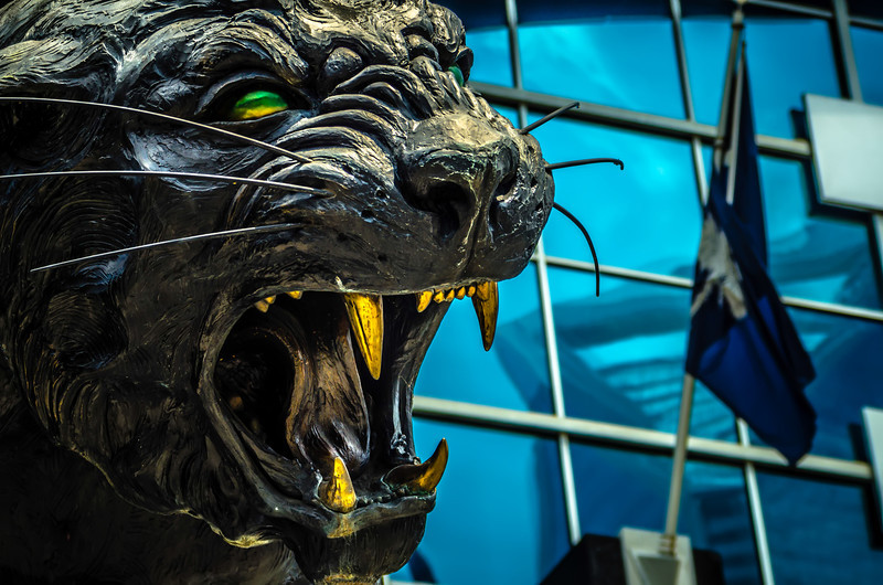 black panther statue